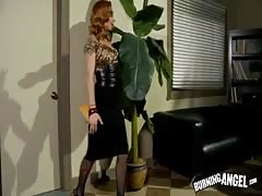 Astonishing glamour secretary sucking detective's hard pole