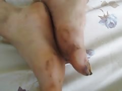 Street hooker footjob with very dirty feet from Manizales