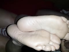fucking her soft soles and cum between feet